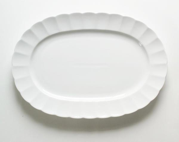 お求めやすく価格改定 強さ3倍 白い食器 われにくい強化磁器 TIARA ティアラピュアホワイト フリル 卓越 オーバルプレート 白い 高級白磁 しろい 楕円皿 ホワイト 白い器 白い陶器