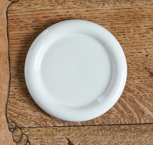 積み重ねもgood 白い食器 いろいろ使える万能 小皿 2020 新作 11cm しろい 白い ホワイト 白い陶器 送料無料でお届けします プチディッシュ お皿 高級白磁 白い器 おさら プチ 豆皿