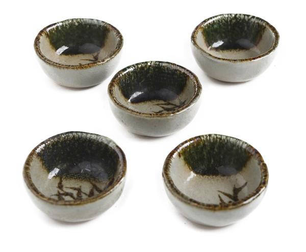 ひとうひとつ心を込めての手作り 棟山窯 限定品 灰釉 織部掛け 丸小鉢 豆皿 小皿 使い勝手の良い 丸千代久 5個セット