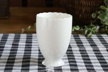 ファクトリーアウトレット 輝きのある素晴らしいホワイト スペシャルホワイト 湯飲み 湯のみ フリルフリーカップ しろい ホワイト 白い 白い食器 白い陶器 高級白磁 人気上昇中 白い器