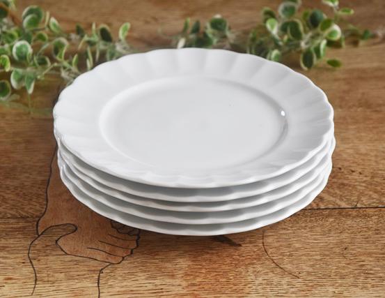 白さと強さと軽さが自慢 強さ3倍 5枚セット 白い食器 花のフォルム われにくい強化磁器 TIARA ティアラピュアホワイト 激安超特価 フリル ケーキ皿 AL完売しました。 白い器 おしゃれ 白い しろい 高級白磁 サラダプレート19cm 白い陶器 可愛い ホワイト
