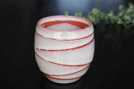 アジアで人気 マーケティング 美濃焼き 新品 送料無料 手描きの 雲の井 レッド アジア茶 湯飲み フリーカップ 湯のみ ほっこりまるい