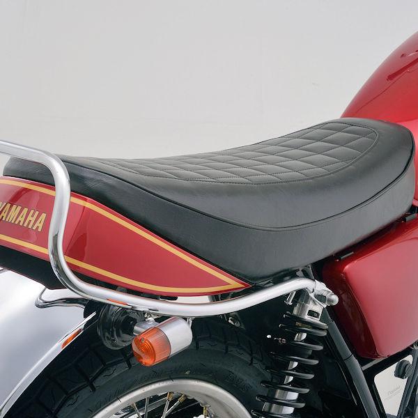 デイトナ DAYTONA 99988 ノスタルジックシート ブラック 全長約628×全幅約280(mm) ヤマハ SR400/500('79-'08)※初期モデル不可 SR400('10-'19)FI