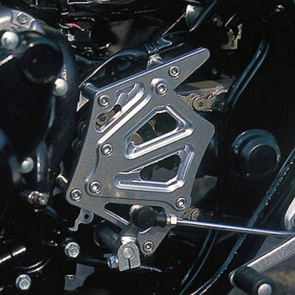 051201-03:シルバー 051201-06:ブラック ポッシュ スプロケットカバー 日本産 ※ラッピング ※ CB400SF ホンダ SB