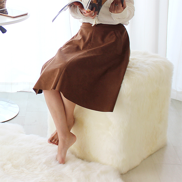 [送料無料]AUSKIN長毛ムートンスツール キューブ CUBE 46×46 アイボリー・シナモン・ビターチョコの3色