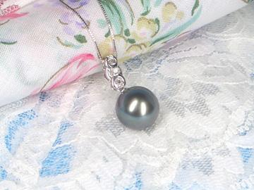 K18WG黒蝶真珠ペンダントネックレス ダイヤモンド(0.03ct)   ギフト プレゼント
