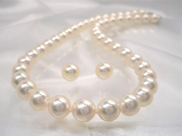 花珠真珠に匹敵!クリーム系最強真珠ネックレス!最高級【アコヤクィーン】約8.5~9.0mm  アコヤ真珠ネックレスセット 入学式卒業式のフォーマルにも最適!   ギフト プレゼント