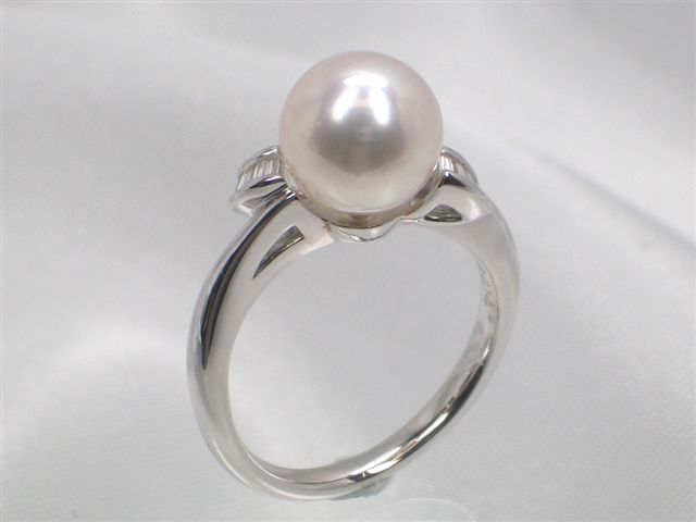 Pt高級花珠真珠アコヤ真珠ダイヤ入りリング(指輪) ダイヤ0.14ct   ギフト プレゼント