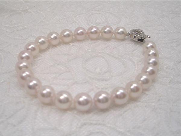 ほんのりピンクの優しい一品!svアコヤ真珠ブレスレットA   ギフト プレゼント