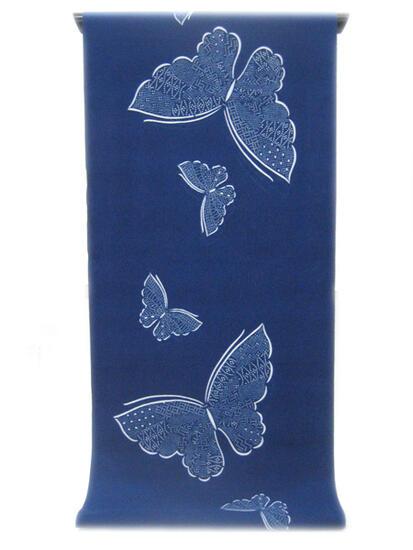 :::: 伝 統 の 注 染 ゆ か た ::::明るく華やかな色合いロイヤルブルー紺青地に   細かい点描の羽を持つ大小の蝶柄(反物)◇ お仕立て(国内手縫い)¥10,000(税別)で承ります。