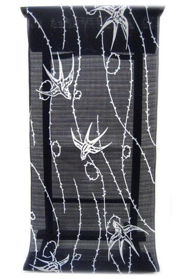 :::: 伝 統 の 注 染 ゆ か た ::::とっておきの涼感にうっとり 濃紺の木綿絽   爽やかな夏のひと景色 柳に舞う燕柄(反物)◇ お仕立て(国内手縫い)¥11,000(税別)で承ります。
