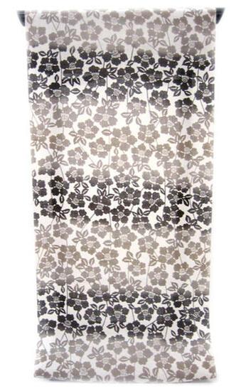 :::: 伝 統 の 注 染 ゆ か た ::::ほんのり透け感 縞模様の変わり織り   白地に茶系の段ぼかし染め枝垂れる花椿柄(反物)◇ お仕立て(国内手縫い)¥11,000(税別)で承ります。