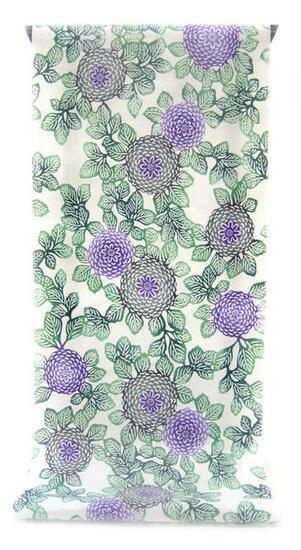 :::: 伝 統 の 注 染 ゆ か た ::::ほんのり透け感 縞模様の変わり織り   葉緑に囲まれた紫と灰のぼかし菊柄(反物)◇ お仕立て(国内手縫い)¥11,000(税別)で承ります。