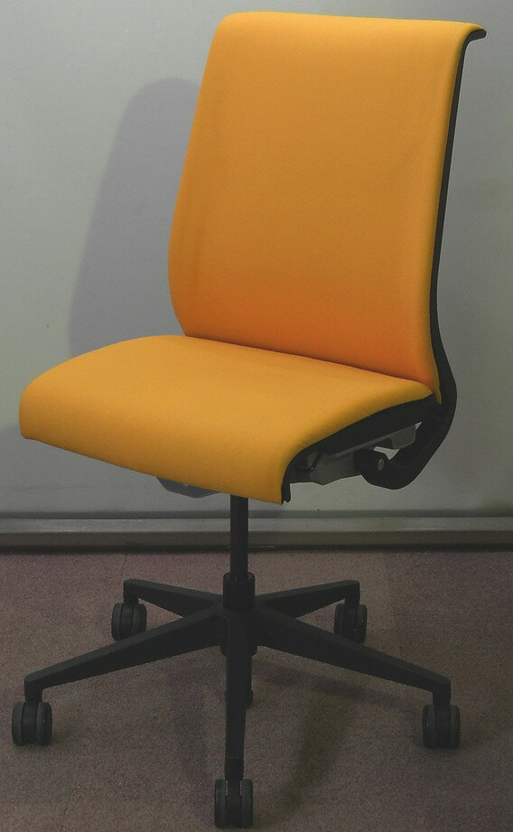 Steelcase Thinkチェア肘なし(布張り)【中古】