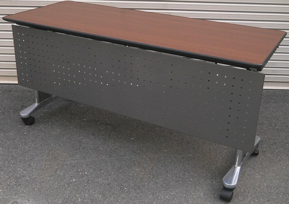 高級会議用テーブルパネル付き W1500,D600,H720ミリ(キャスター付 折りたたみ不可)【中古】