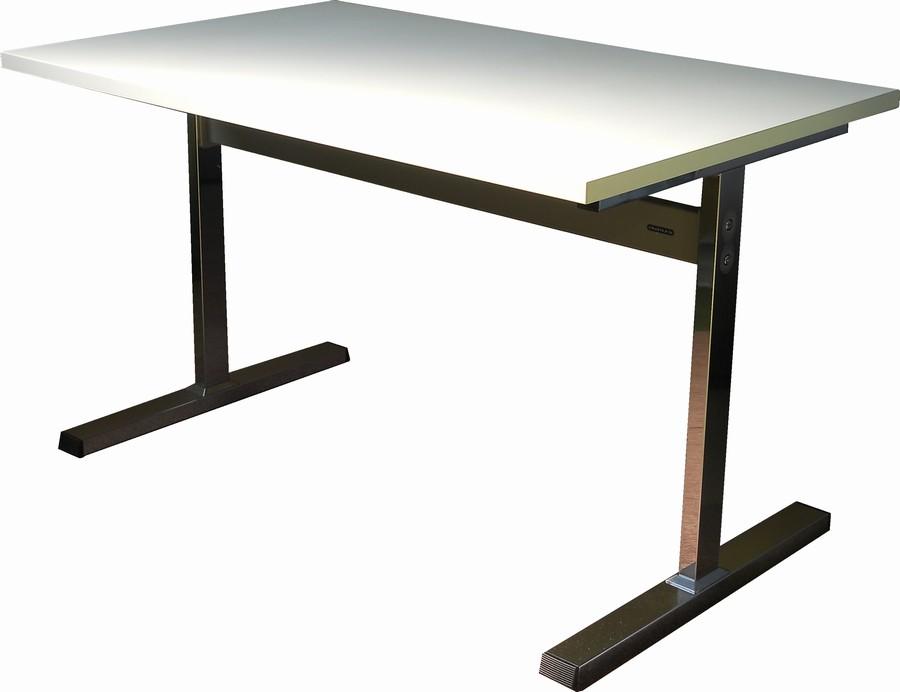 オカムラ ミーティングテーブルW1200,D750,H720ミリ【中古】