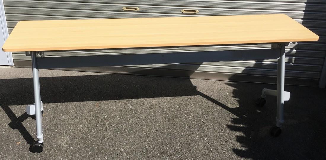 中古 会議用平行スタックテーブル(幕板なし)W1800,D450,H720ミリ(キャスター付 折りたたみテーブル)【中古】