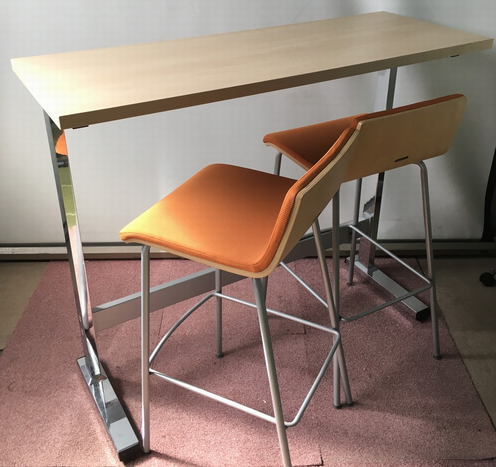 オカムラ テーブル、チェア2脚セットハイテーブルW1200,D450,H1000ミリ【中古】