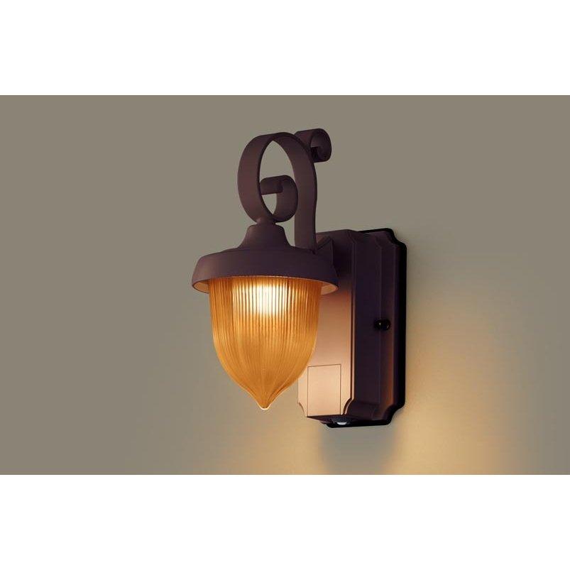 パナソニック LGWC80238 LE1 壁直付型 LED 電球色 ポーチライト 密閉型 防雨型 FreePaお出迎え 明るさセンサ付 段調光型 白熱電球60形1灯相当