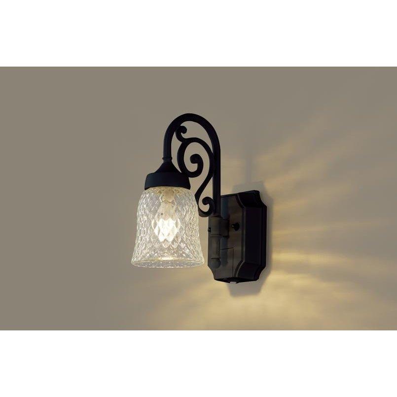 パナソニック LGWC85203BK 壁直付型 LED 電球色 ポーチライト 密閉型 防雨型 FreePaお出迎え 明るさセンサ付 点灯省エネ 白熱電球40形1灯相当 ランプ付(同梱)
