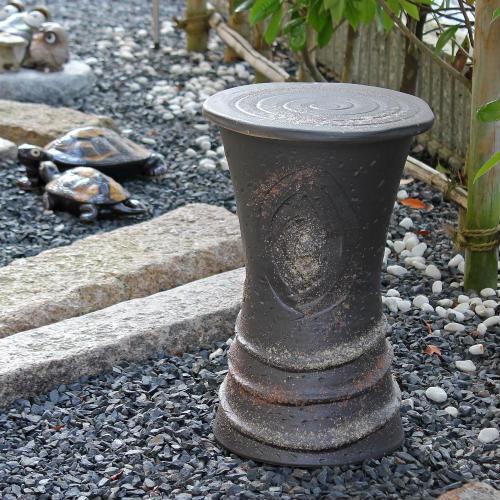 信楽焼 陶器製 黒窯肌花台 14号 スツール、イスとしてもお使い下さい。園芸用品/ギフト/信楽焼き/焼き物/やきもの [送料無料※一部地域は半額]