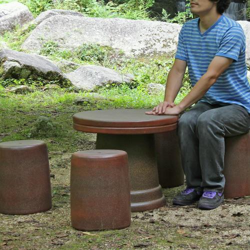信楽焼 陶器製 コゲ火色テーブルセット 20号 (5点、テーブル×1、スツール×4) ギフト/信楽焼き/焼き物/やきもの [送料無料※一部地域は半額]
