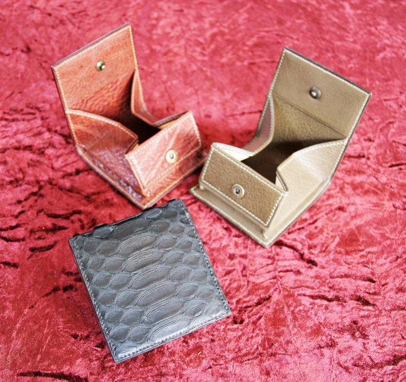 パイソン マットブラック ボックス型小銭入れ ボックスコインケース