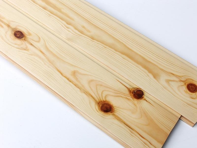 レッドパイン 無垢 羽目板 1枚物 節有 クリア塗装 厚さ10ミリ品