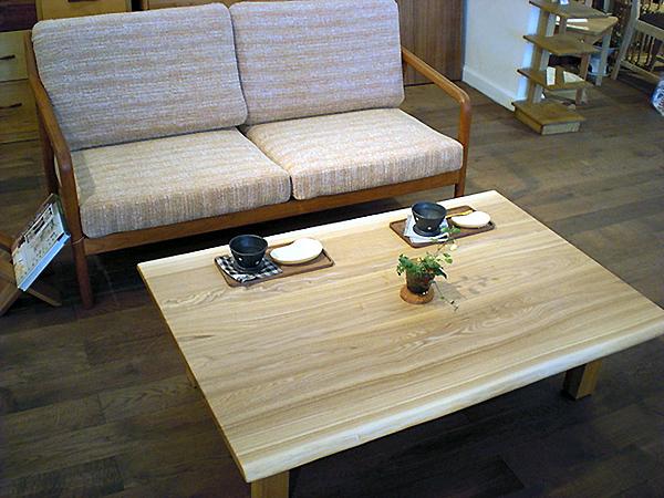 【送料無料】 タモ無垢材のナチュラルリビングテーブルW1200 120cm 高さ調節 ローテーブル カントリー 北欧風 サイドテーブル シンプル