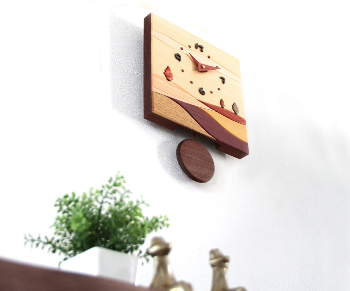 木製 壁掛け時計 年末年始大決算 旭川クラフト 工房 付与 J 寄木振り子時計 ペッカー