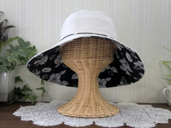 UV 护理麻混合吐宽帽子花按钮白色回花