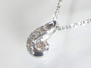 SIN ハート&キューピットダイヤペンダント 【18金ホワイトゴールド】【天然ダイヤ使用】【JS3250K18WG】 【納期に3~4週間かかるため、単品での購入でお願い致します。】【SINDYP】