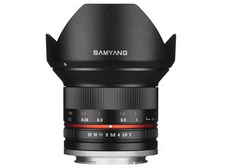 【納期にお時間がかかります】 SAMYANG/サムヤン 12mm F2.0 NCS CS(ブラック) マイクロフォーサーズ用 【お洒落なクリーニングクロスプレゼント!】