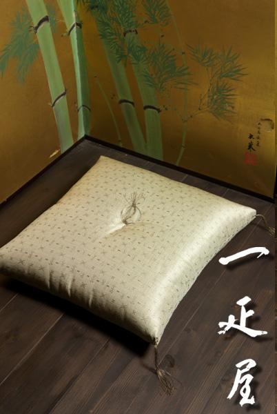 正絹緞子(コプト紋様)座布団 59×63cm ※八端判