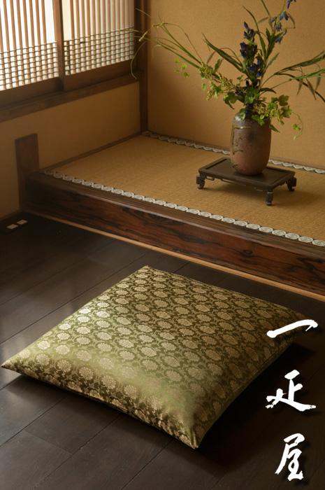 正絹 緞子 ( 牡丹唐草 ・ 抹茶 ) 座布団カバー 59×63cm ※八端判