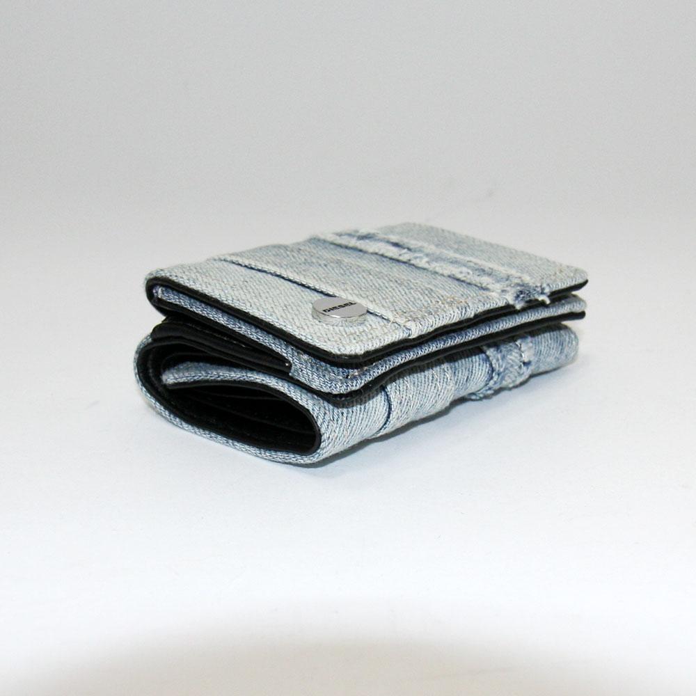 送料無料 ディーゼル 財布 DIESEL 三つ折り財布 ミニ財布 X06467 PR573 H7663 JENIM LORETTINA レディース デニム ライトブルー プレゼントブランドzGpUqSMV