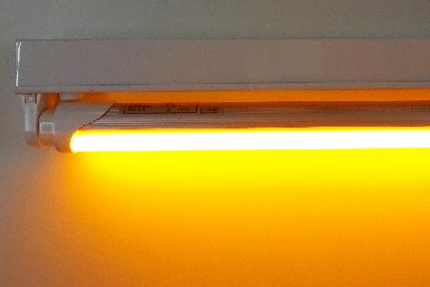 【防虫LED】直管型LED照明1200型(照明器具付き) HY-112K