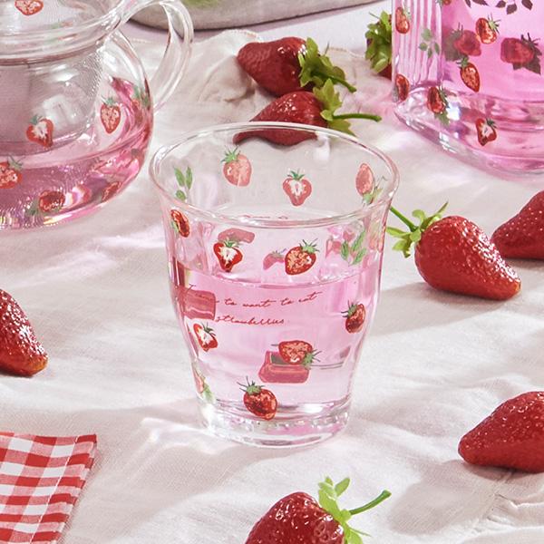 イチゴ柄がかわいい ストロベリー シリーズのガラスタンブラー マーケット ガラスタンブラー オンライン限定商品