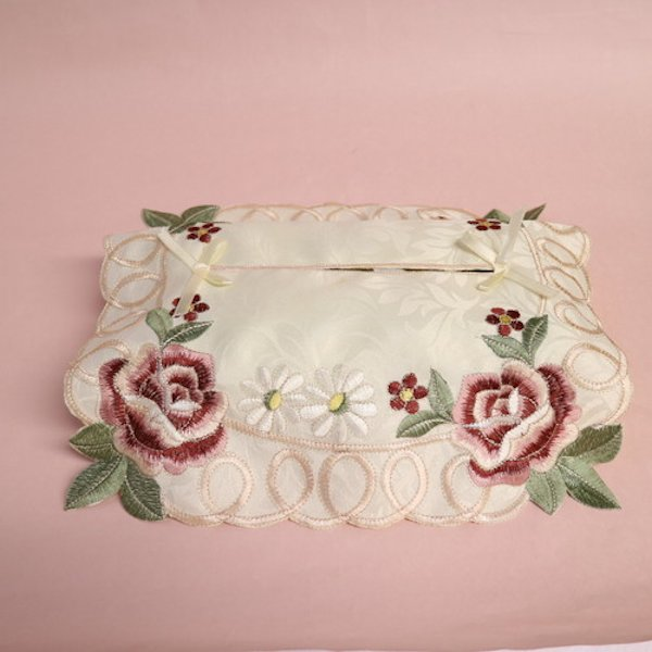 授与 華やかなカットワーク刺繍が美しいティッシュカバー ローズ刺繍ティッシュケースカバー レッド 感謝価格
