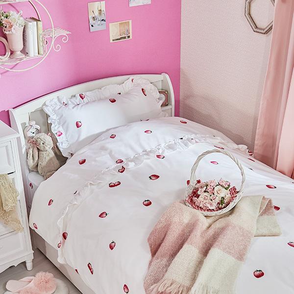 プレゼント スイートな雰囲気のストロベリー柄がかわいいベッドカバーセット ストロベリー柄布団カバー3点セット 人気ブランド 洋シングル