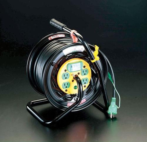 エスコ(ESCO) AC125V/22A/30m コンセンント固定リール(漏電遮断付) EA815DA-3
