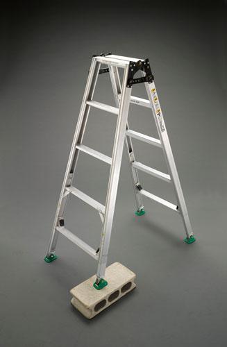 【直送】【代引不可】エスコ(ESCO) 1.52-1.95m はしご兼用脚立(調整脚) EA903F-150
