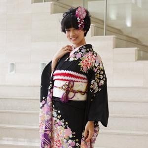 【最大1000円OFFクーポン】【レンタル】振袖 レンタル 成人式 セット20点フルセット「黒 ブラック 紫 パープル 桜 鞠」成人式から結婚式やフォーマルまで 着物 kimono フリソデ ふりそで rental れんたる せいじんしき セイジンシキ バッグ bag〔消費税込み〕