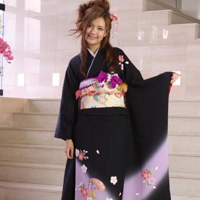【レンタル】振袖 レンタル 成人式 セット正絹京友禅 20点フルセット「黒 ブラック 紫 パープル 桜 櫛」 成人式から結婚式やフォーマルまで 着物 kimono フリソデ ふりそで rental れんたる せいじんしき セイジンシキ バッグ bag〔消費税込み〕
