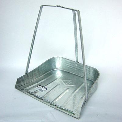 人気ブレゼント! 立ったまま楽々お掃除出来ます 豪華な トタン 三つ手チリトリ バンバン