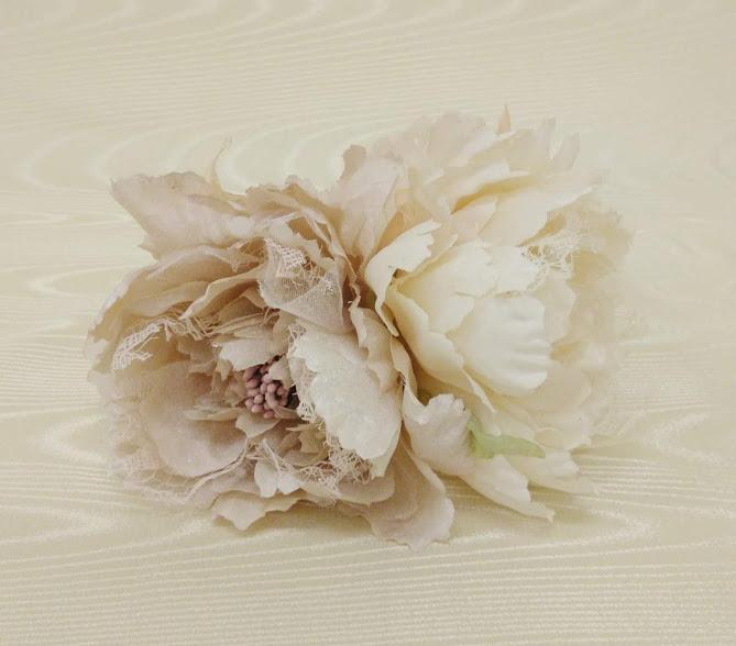 花髪飾り 流行 フローレスフラメンコ花飾りコサージュ ナジャハウス フラメンコ衣装白花飾り 秀逸