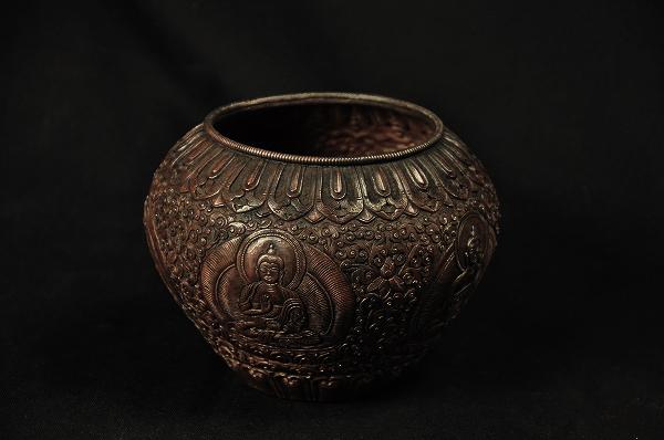 金銅鉢(五仏) 銅造打ち出し