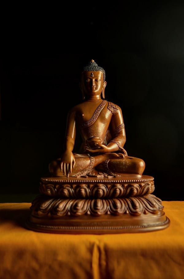 釈迦如来像銅造彫金仕上げ 就職祝お花見 音楽会 ハロウィン