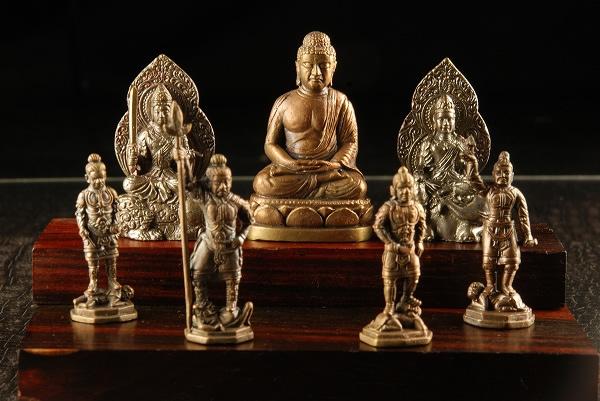 説法の仏と護法の神 極小仏像 通販 釈迦三尊四天王 木台 現金特価 無し
