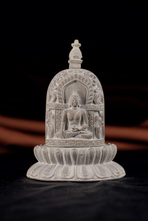 石仏 仏塔(仏陀)